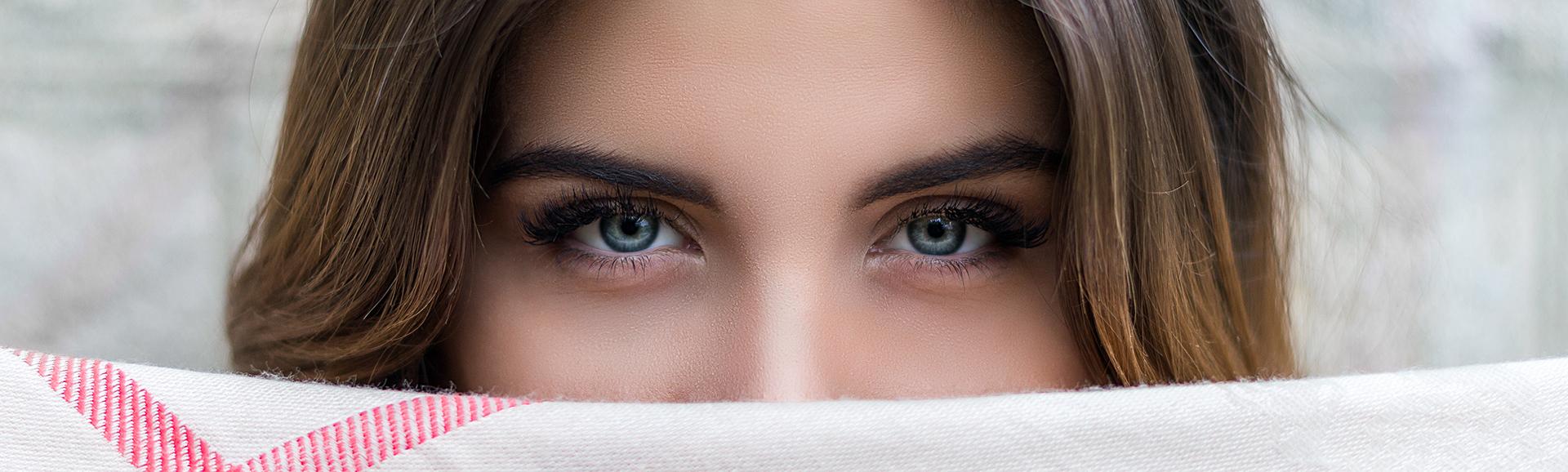 woman-getting-puffy-eye-treatment