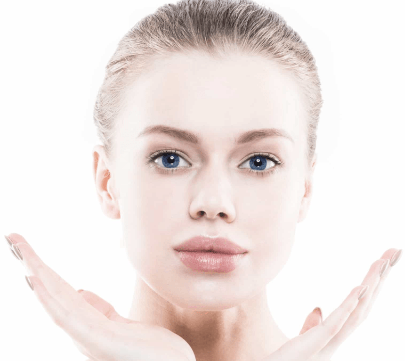 Woman-with-full-lips-with-Restylane